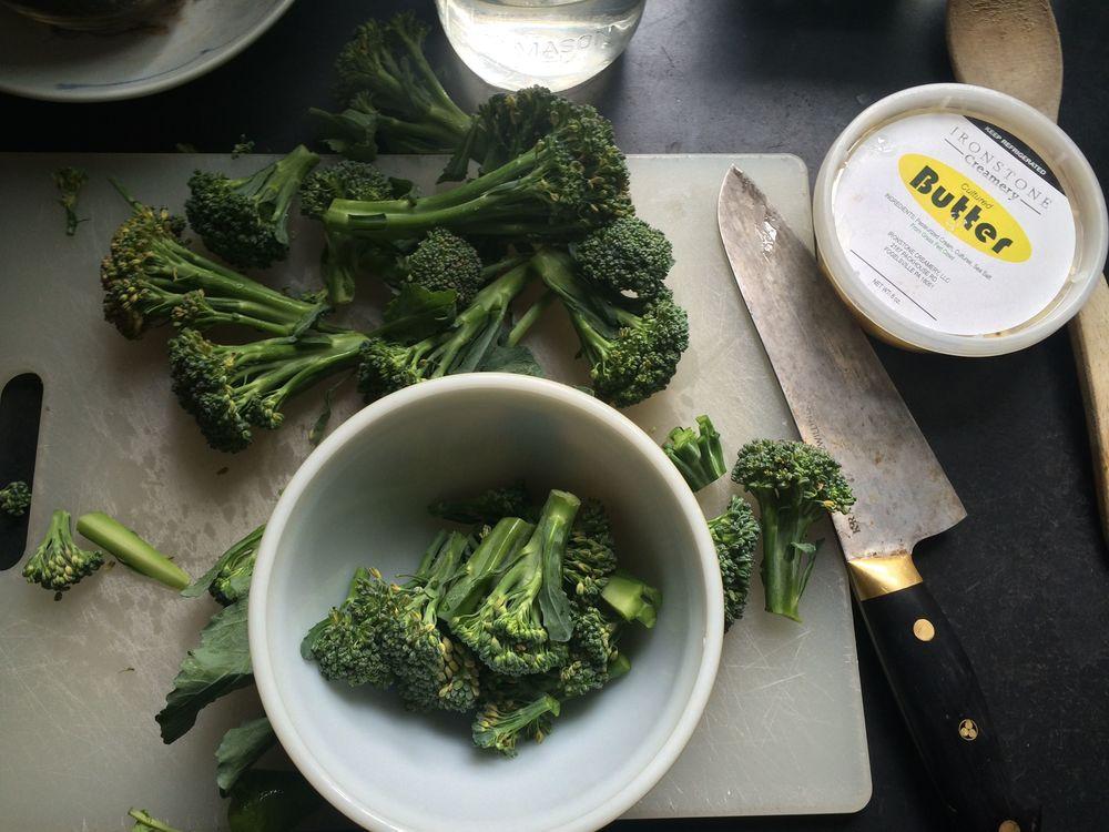 Choppin' broccoli...... choppin' broccoli...... (Insert Dana Carvey joke here.)