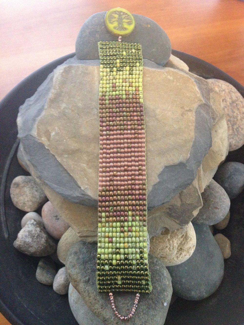 Green Ombre Bracelet.JPG