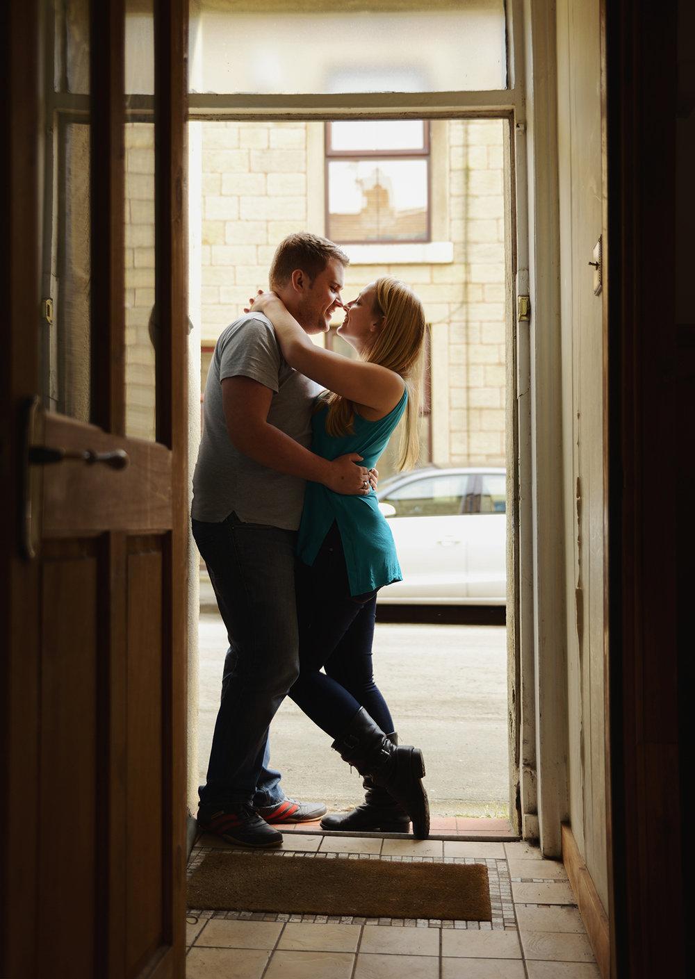 home-photoshoot-lifestyle-photographer-couple-engagement.jpg