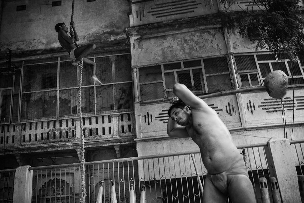 Kushti-fighters-varanasi03.JPG
