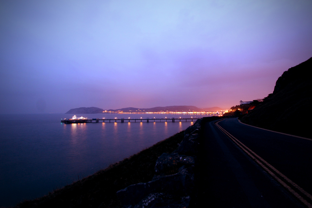 Sunset over Llandudno from the Parisellas parking © LIAM LONSDALE 2015