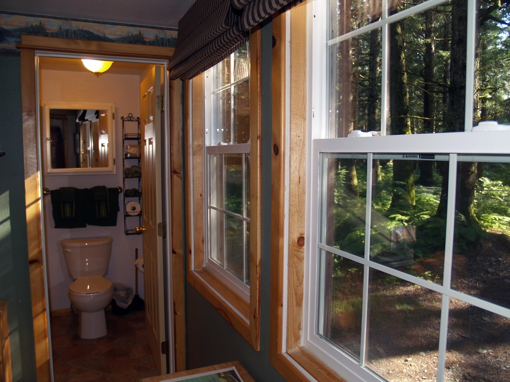C2_Bath_Entry.jpg
