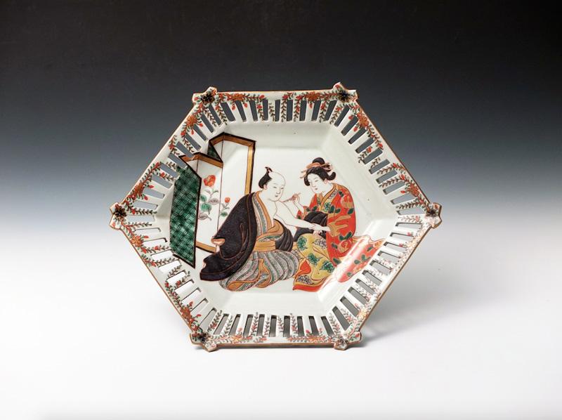 Koimari Iroe Jinbutsu Rokkaku Sukashi Plate                                             Edo Period (18th Century), 10.4 x 8.5 x 1.8 Inches