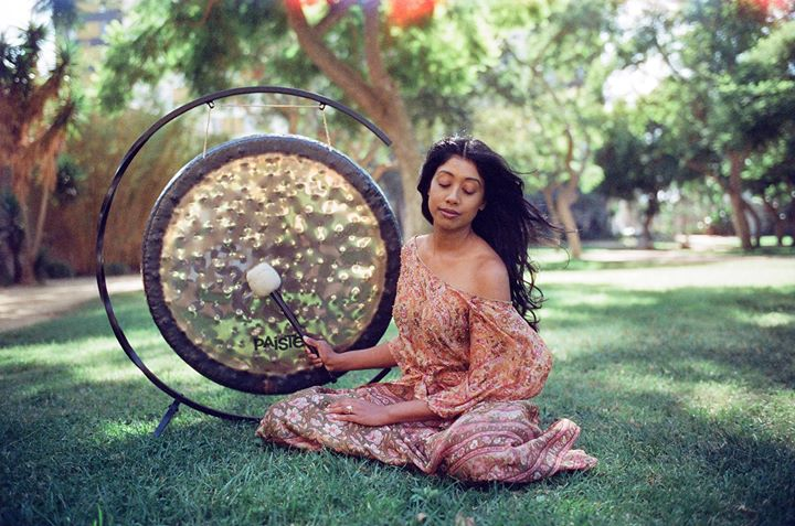 BEST SOUNDBATH:  Ambi Sitham,  Wanderlust  /  Listen to episode