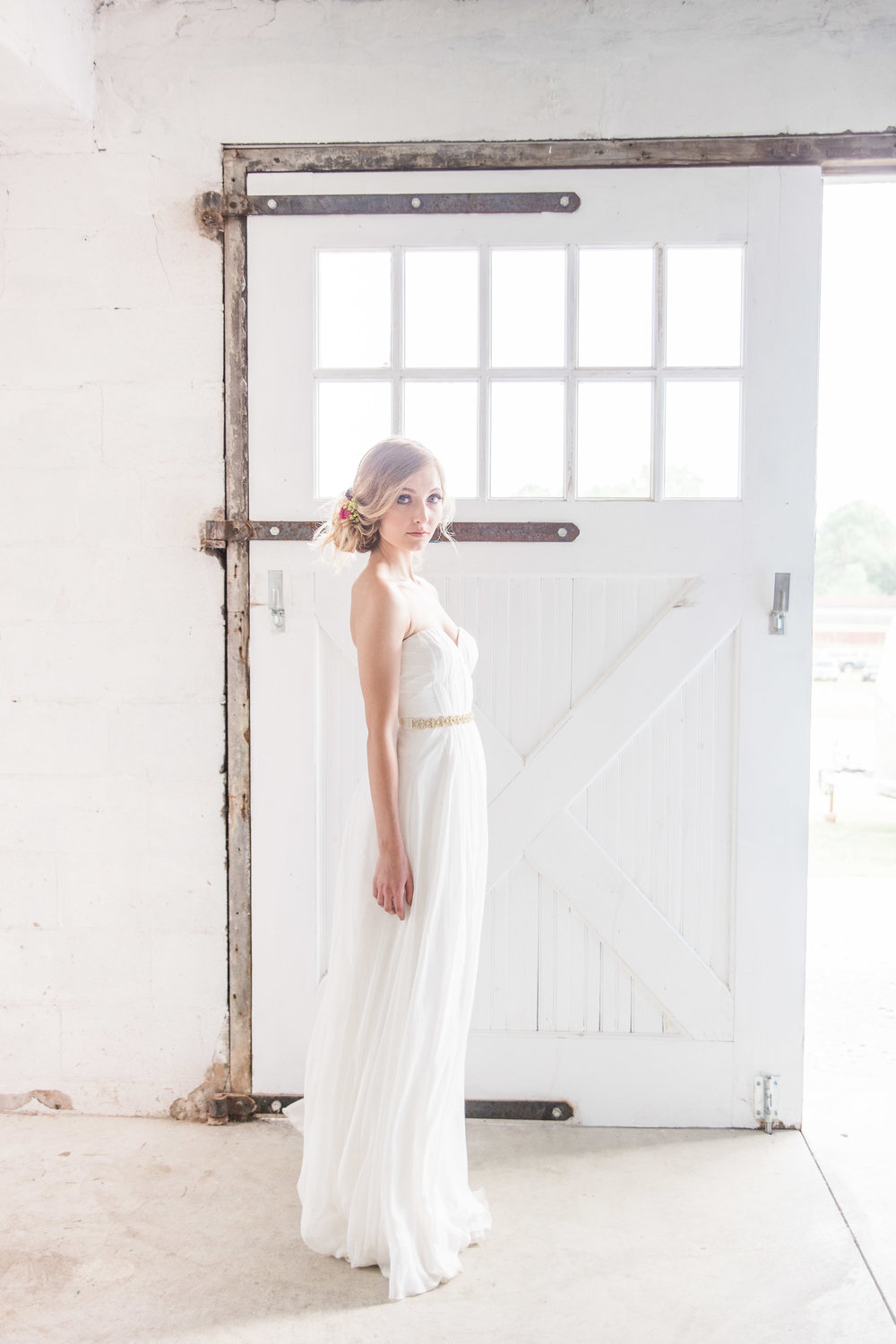 You can choose to create your own wedding collection by selecting only the services you would like for your wedding day. This way you don't have to feel pressured into products or services that don't fit your needs. First, you'll start out by selecting the Collection Starter. This includes two, day-of wedding photographers for the entire day of your wedding. No need to be concerned with adding time to your day. We arrive an hour before the bride steps into her gown and we stay for an hour after your guests hit the dancefloor. We will stay longer in the evening if you have a grand exit planned.Once you've secured your wedding photography you can add on different sessions to enhance your experience with Lea Marie Photography; Everything from an Engagement Session to a Bridal Boudoir.After you choose your sessions, you can continue on to add on one of our beautifully designed, linen wedding albums and even add on a few parent albums as a special gift for your parents to showcase in their home. I also offer guest books for your wedding reception designed using your engagement photos throughout, creating a personalized touch to greet your guests. Choose as many options as you like to make your custom collection work best for you and your family. Take comfort in knowing that I take pride in each and every detail of my work, and my wish is for you to treasure these memories for generations. -