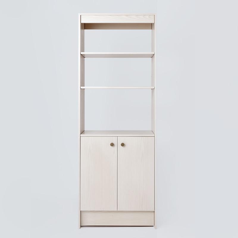 Britt Bookcase Front _800 X 800 Thumb