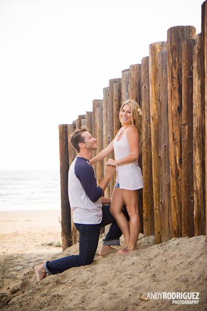 newport-beach-engagement-photos-16