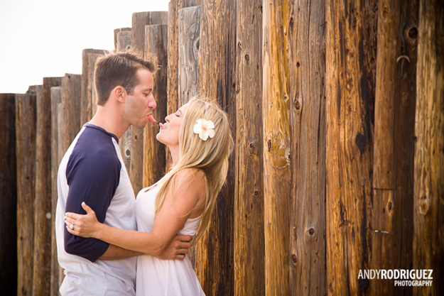 newport-beach-engagement-photos-17