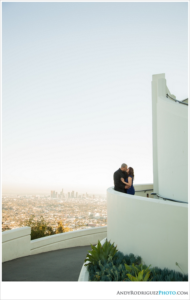 griffith-observatory-engagement-laura-sonny_0006.jpg