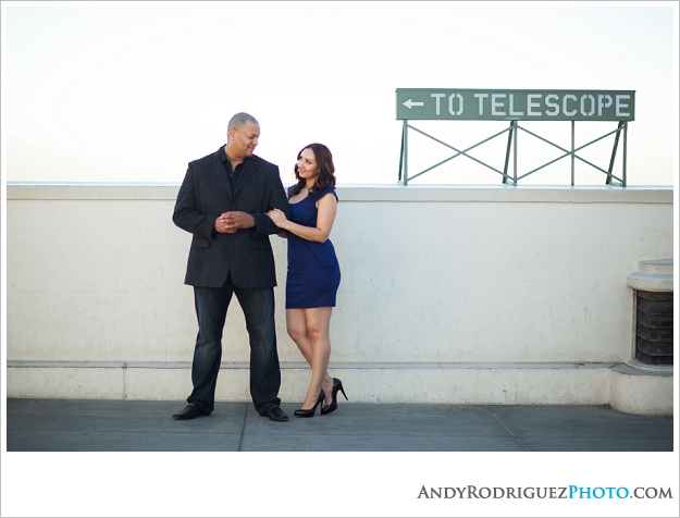 griffith-observatory-engagement-laura-sonny_0007.jpg
