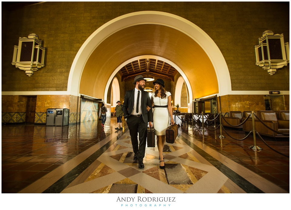 vintage-union-station-engagement_0002.jpg