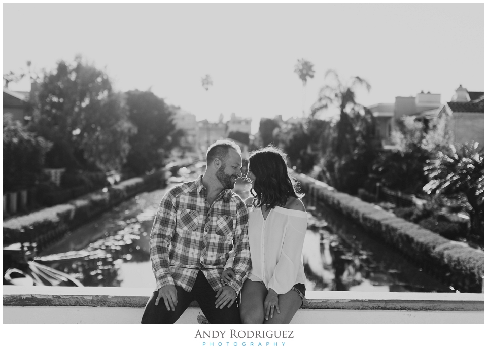 venice-canals-engagement-photos-vanessa-neil_0003.jpg