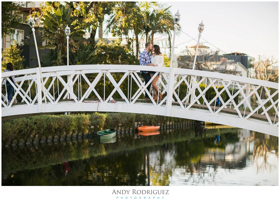 venice-canals-engagement-photos-vanessa-neil_0009.jpg