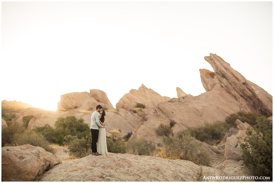 vasquez-rocks-engagement_0015.jpg