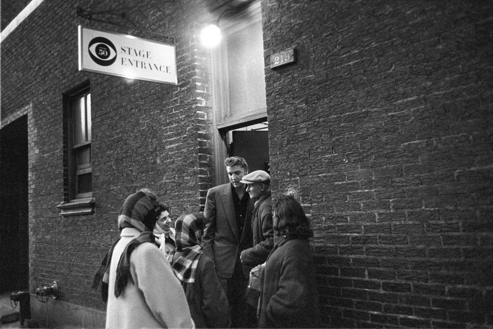 Just as Elvis was about to go home a few more fans gathered at the stage door to CBS studios.