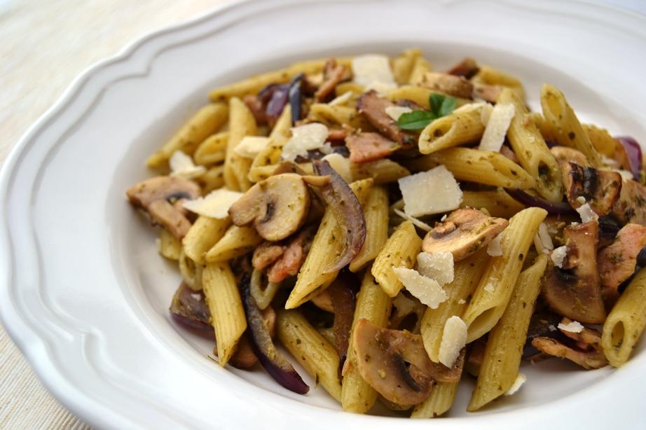 Bacon, Mushroom & Pesto Pasta — Gourmet Mum