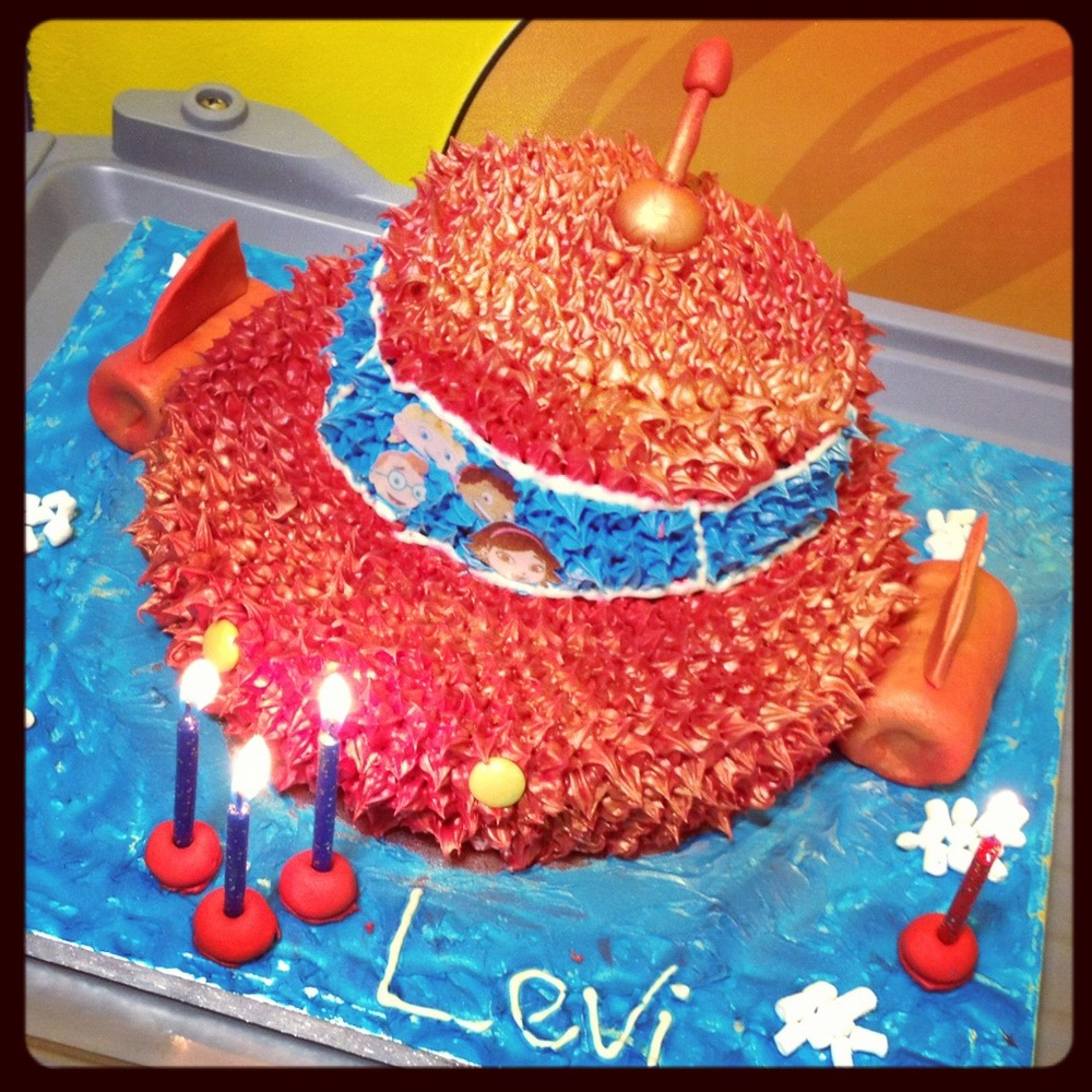 Levis birthday cake.JPG