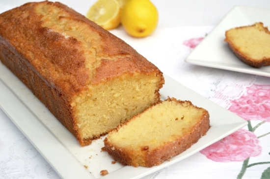 Easy+Lemon+Drizzle+Cake.jpg