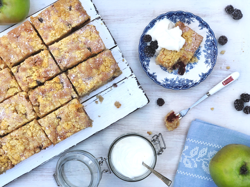 Blackberry and apple crumble cake.jpg