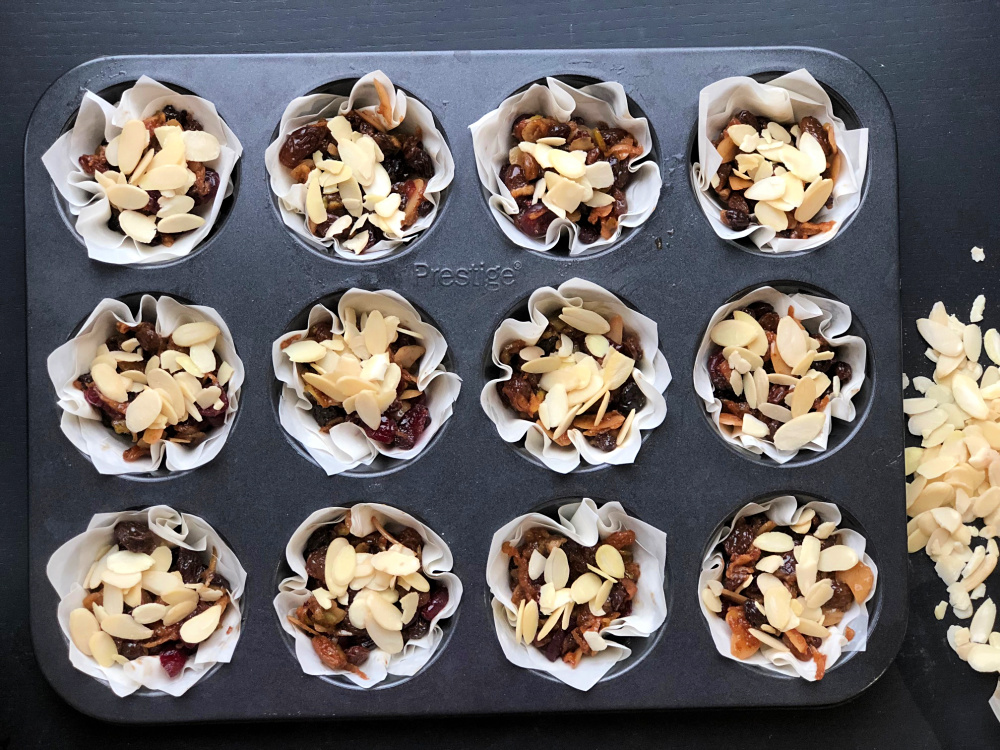 Almond Topped Filo Mince Pies Method 11.jpg