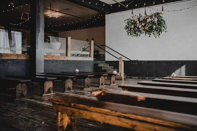 A space that can do it all, and looks good doin' it. #calmbeforethestorm #pdxwedding #portlandeventspace #unionpine 📷: @kylecarnesphoto