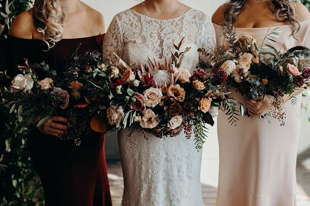 'Tis the season for all things velvet, lace and floral ♥️⁣⁣ ⁣⁣ These stunning arrangements are by @goodseedfloral 💐 beautifully captured by @hazelwood_photo #unionpinewedding #portlandweddingvenue #pdxeventspace #portlandbride #unionpine