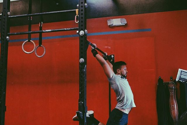 How we're swinging into the new week. Start your Monday off right with a workout at CFCM! 💪 • • • #cfcm #cfcmmen #fitmen #crossfit #fitness #functionalfitness #crossfitgymnastics