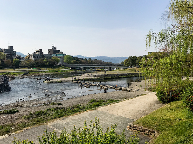 Imagine sitting here, on the bank of the Kamo-gawa river in Kyoto, +25'C, Sapporo beer in hand, and just the sound of people enjoying a Spring day...
