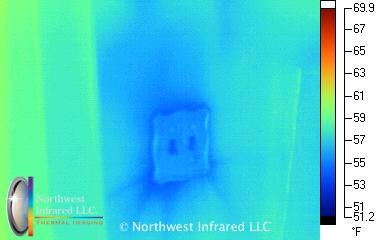 blockwall06.Air leak past wall switch.jpg