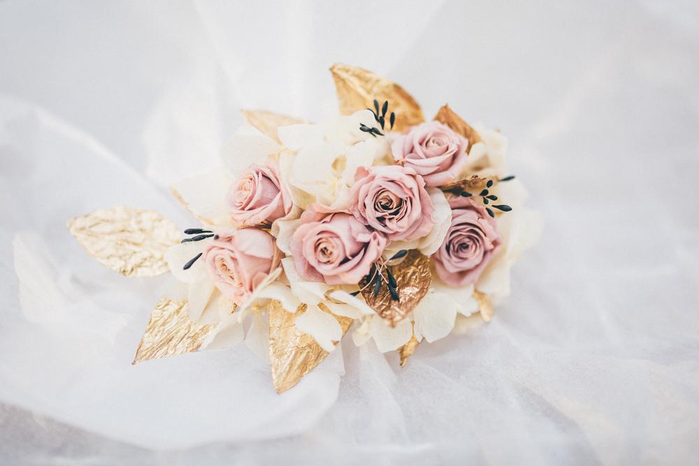 tocado novia hojas doradas