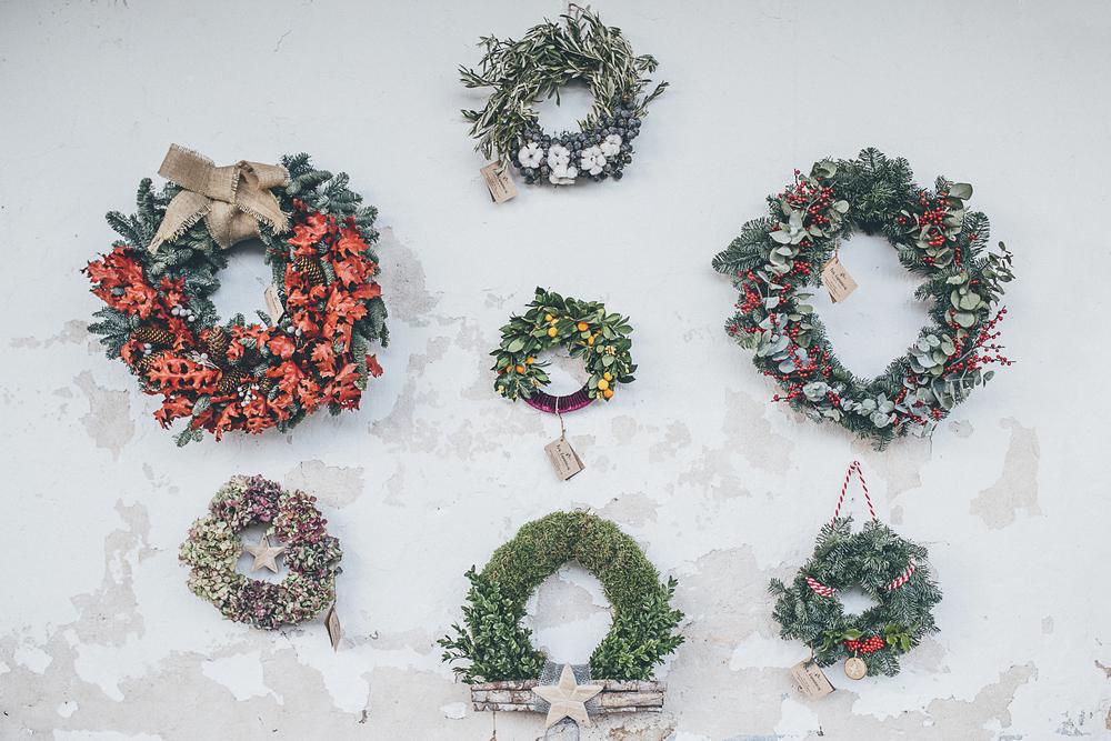coronas puerta Navidad