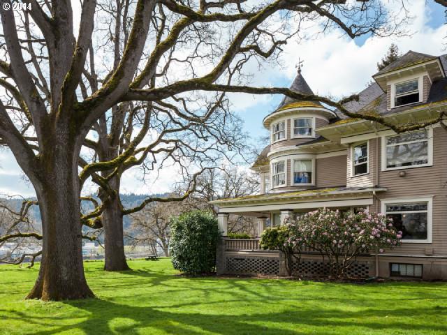 7654 N Crawford St, Portland, OR 97203