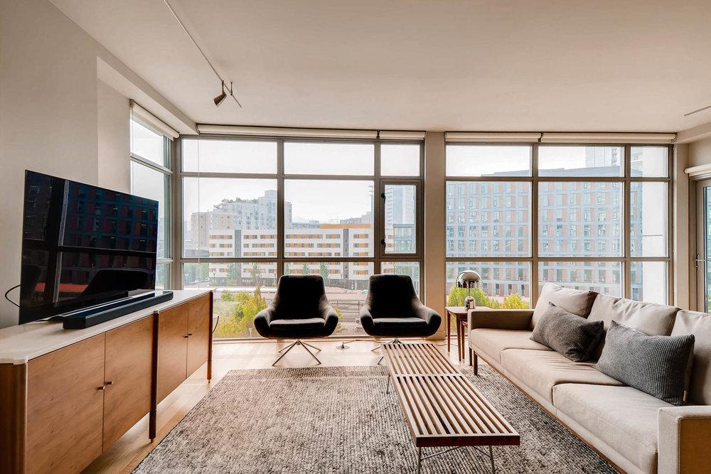 1260 NW Naito Parkway 609B-large-003-8-Living Room-1500x1000-72dpi.jpg