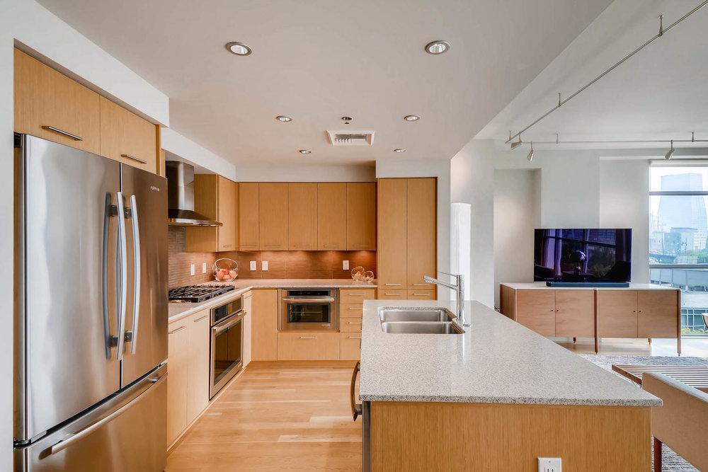 1260 NW Naito Parkway 609B-large-010-7-Kitchen-1500x1000-72dpi.jpg