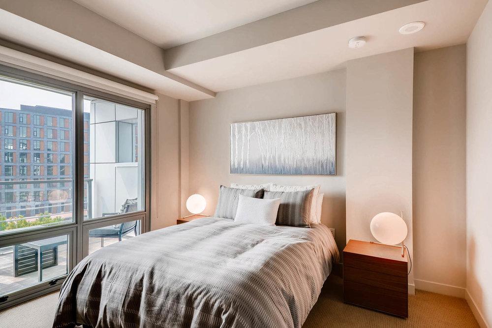1260 NW Naito Parkway 609B-large-014-20-Master Bedroom-1500x1000-72dpi.jpg