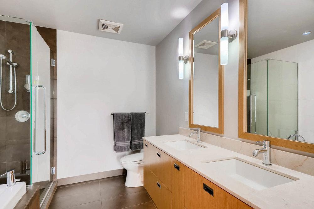 1260 NW Naito Parkway 609B-large-017-5-Master Bathroom-1500x1000-72dpi.jpg
