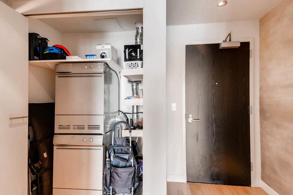 1260 NW Naito Parkway 609B-large-019-4-Laundry Room-1500x1000-72dpi.jpg