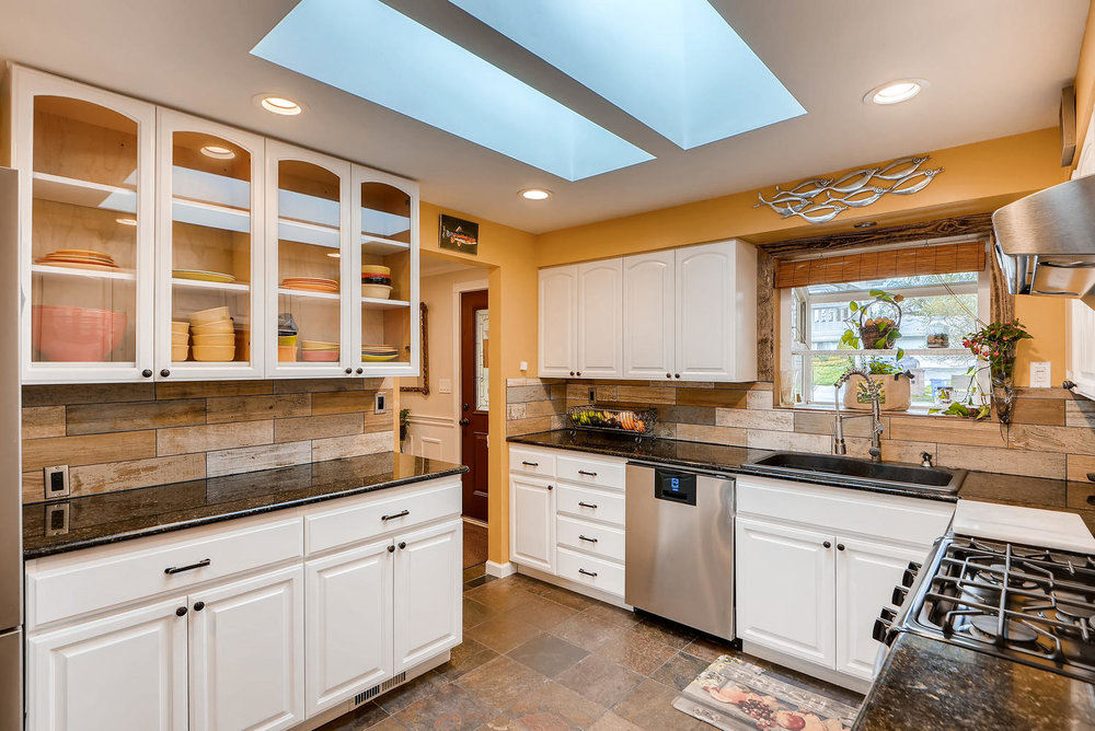 2310 NE 143rd Ave Portland OR-large-009-12-Kitchen-1499x1000-72dpi.jpg
