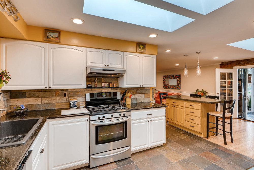 2310 NE 143rd Ave Portland OR-large-010-4-Kitchen-1499x1000-72dpi.jpg