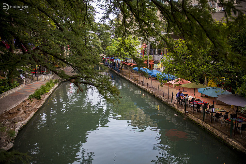 There were so many restaurants and shops along the River Walk that it would take days to eat and shop your way through the canal.