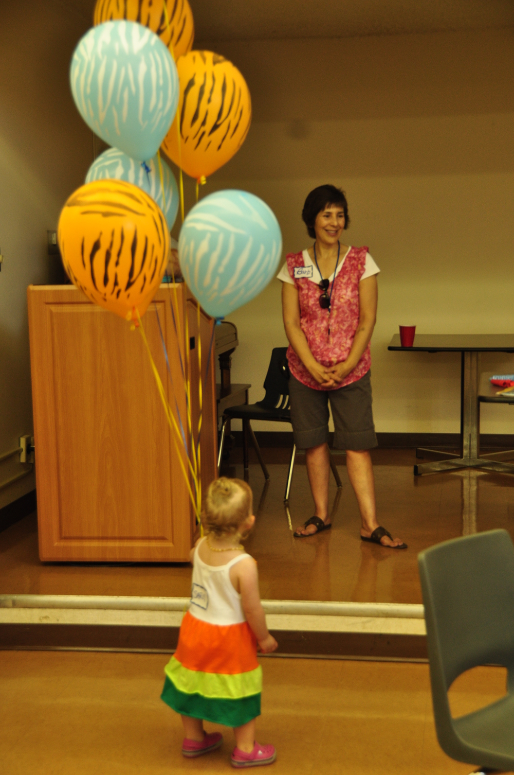 Barb girl and balloonsEdmpicnic2015.jpg