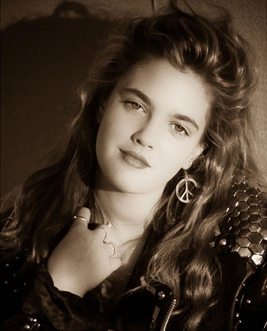 Drew-Barrymore-circa-1989jpg.jpg
