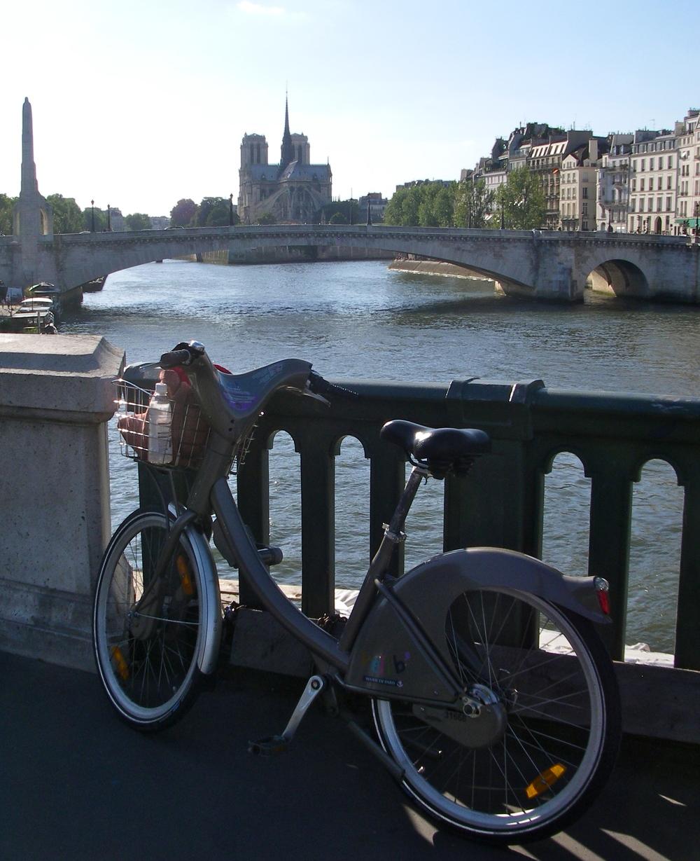 Vélib sur le Pont de Sully