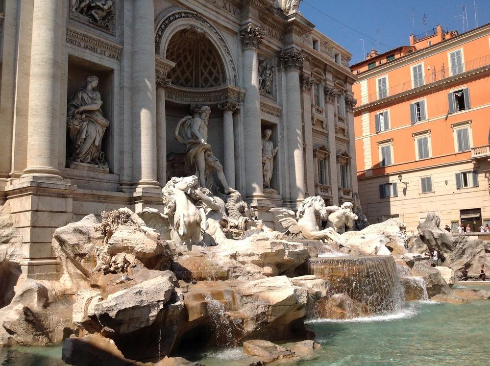 Il Fontana di Trevi / Trevi Fountain – by artist Nicola Salvi; construction began in 1732