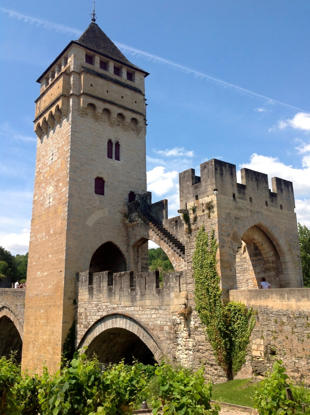 Cahor's iconic 14th-Century Gothic Bridge, le Pont Valentré