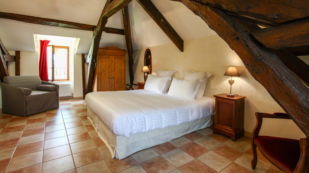 Chateau de Monrecour Chambre-Tradition.jpeg