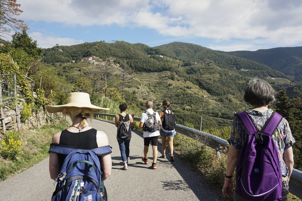 Hiking-Cinque-Terre.jpg