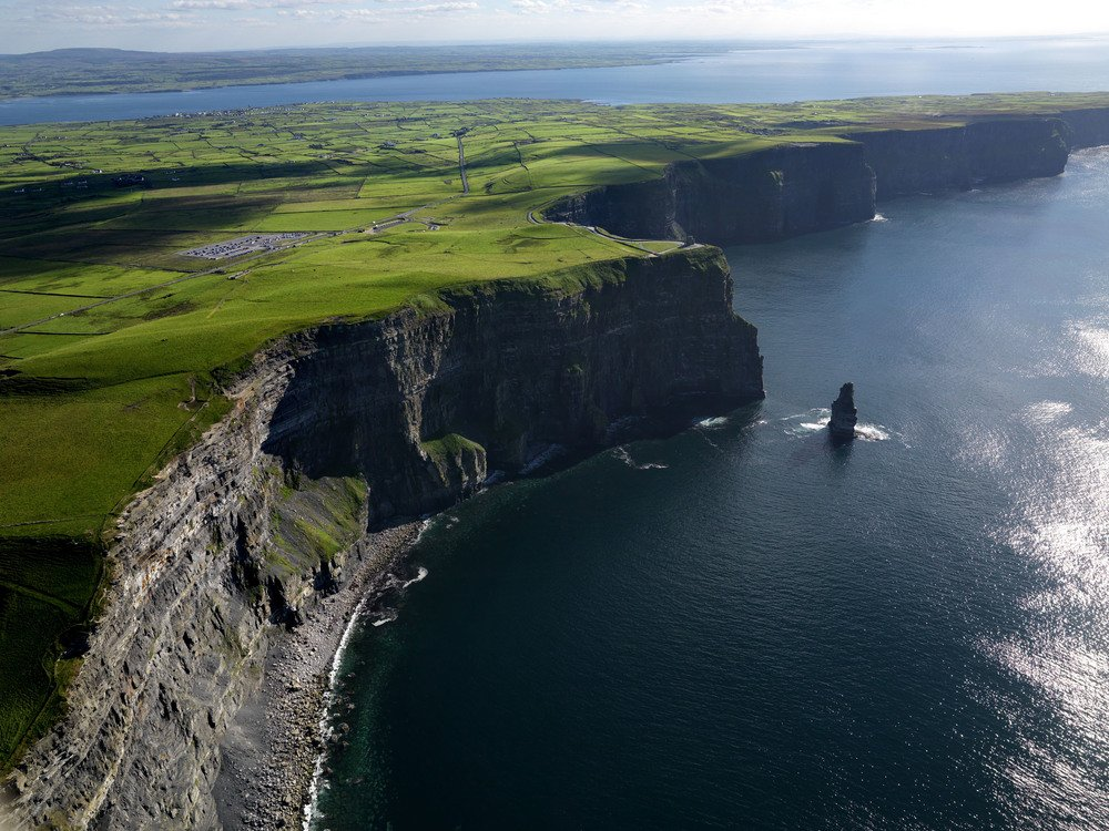 Cliffs-of-Moher-and-the-Stack.jpg