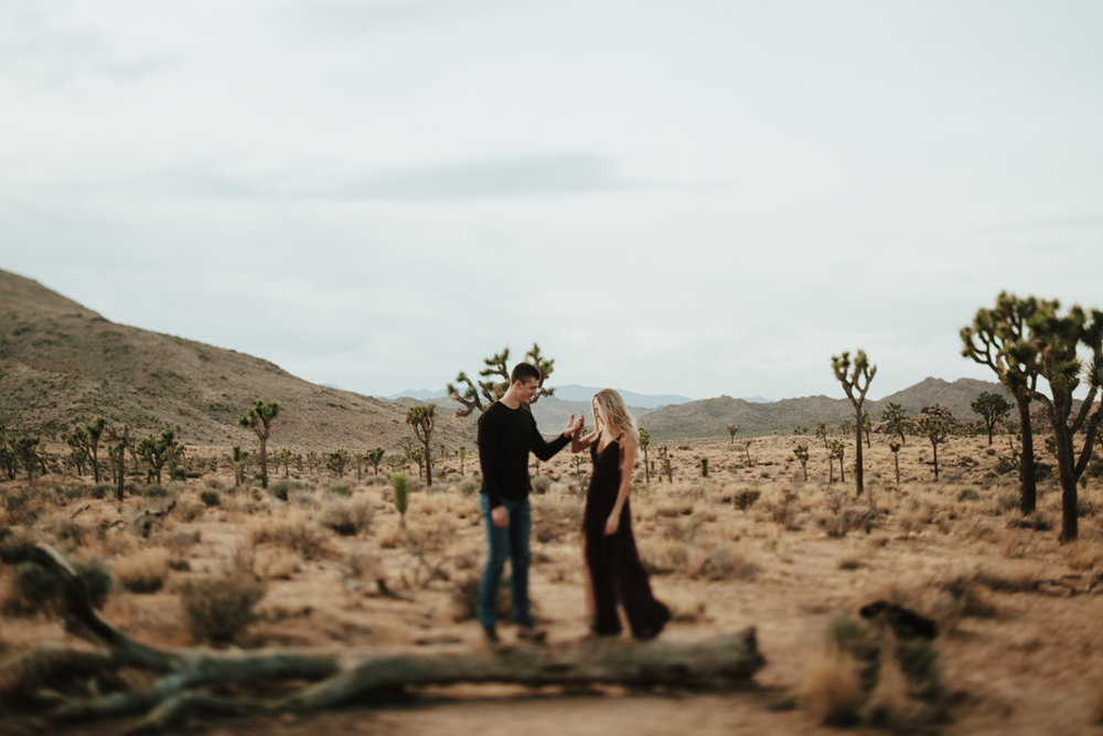 joshua tree engagement photos-9.jpg