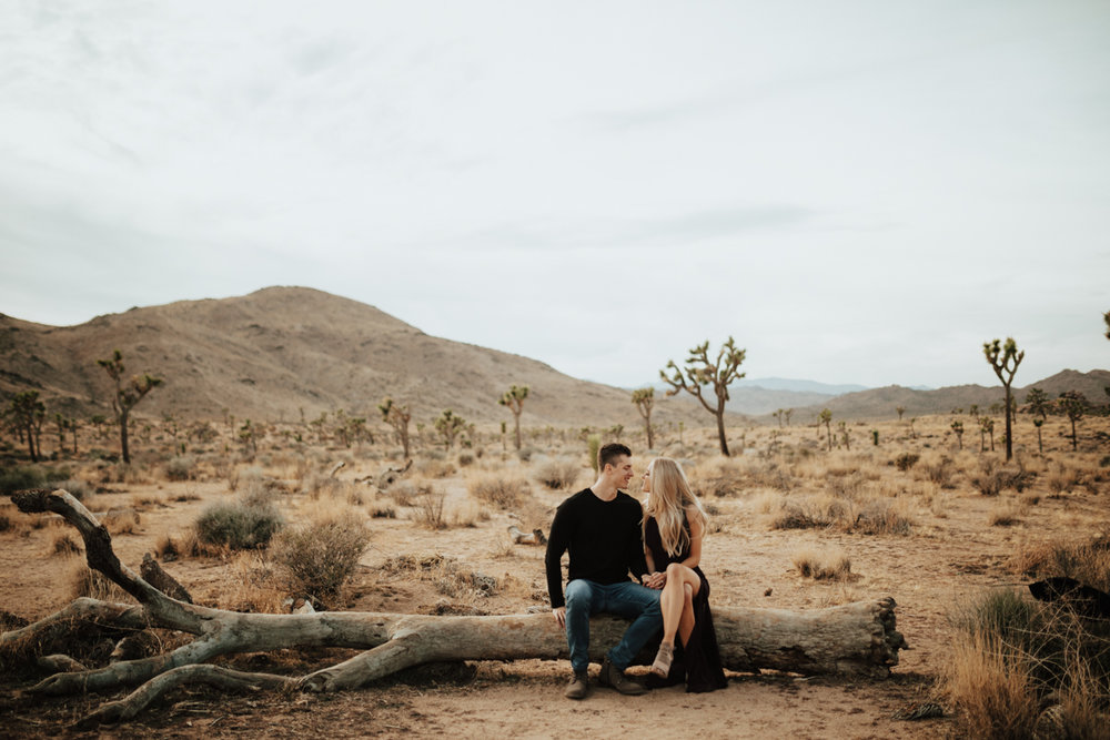 joshua tree engagement photos-11.jpg